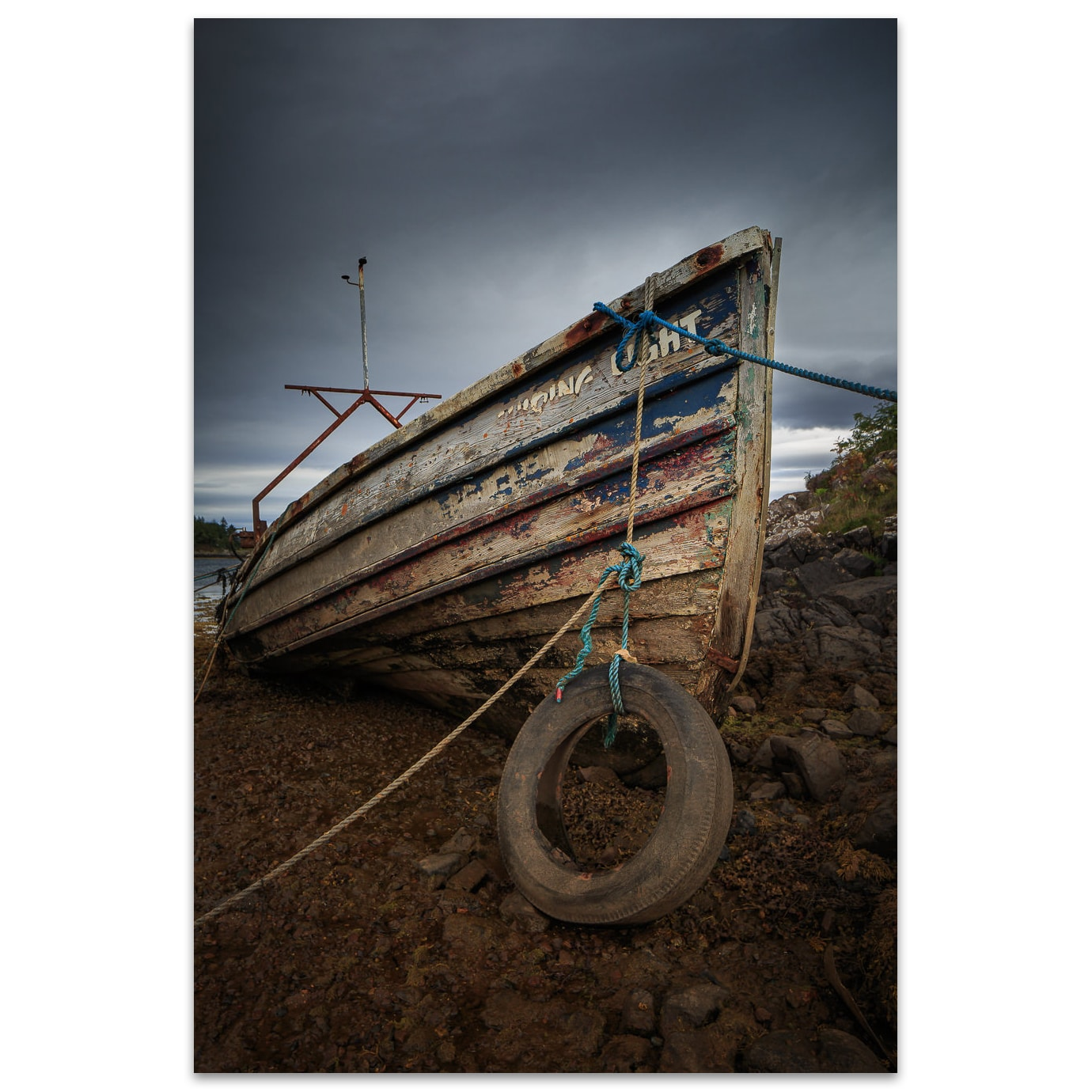 Un vieux bateau sur la côte ouest des Highlands en Écosse